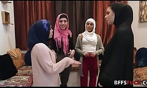 Muslim cuties in HIJAB fuck a BBC in front marriage