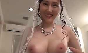 Angelia Mizuki - Lustful wife - Full video j.gs/Bw1J