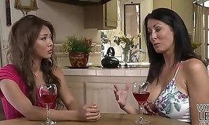 Reagan Foxx likes Ayumi Anime'_s pretty pussy - Girlfriends films