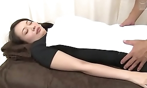 Japanese slut wife goes be fitting of a relaxing massage (Full: bit.ly/2AwazEk)