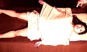 hipnotized become man in massage