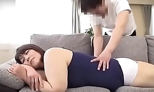 Yamaguchi Atsuko - Helping mother massage to explanations her orgasm, then mother helps son blowjob