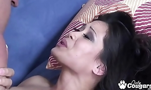 Jessica Bangkok Sucks Dick Like An Asian
