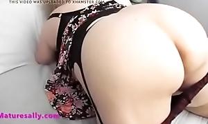 he feels sallys ass and tits Full Video Link.....http://shrinkearn.com/ImMXe