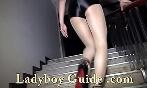 Lady-boy Pickup And Pose