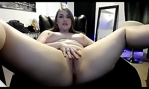 Comely thick live show shaved pussy