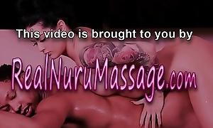 Les masseuse tribs babe