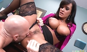 Tanned cougar fucks husband and then their way employee